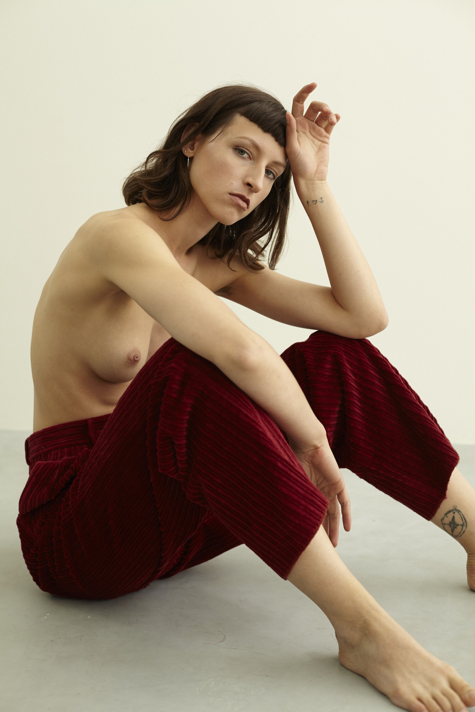 ANDREA TZELEPIDES Kaltblut Magazine